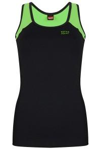 squat sporttop-1422 deelnaad achter groen